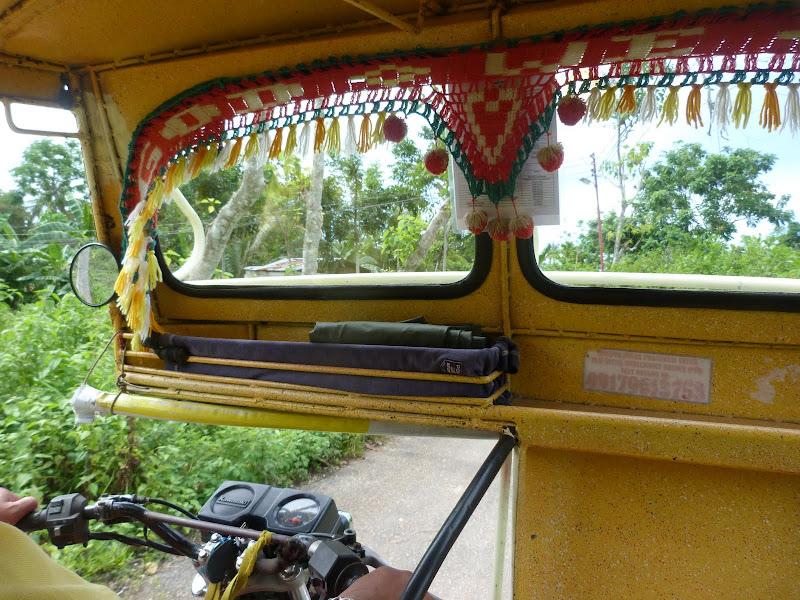 Tricycle pour aller a la Villa Marmarine, 10 minutes