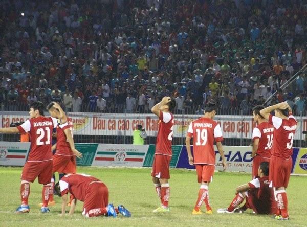 Nụ cười U19 HAGL và những giọt nước mắt U21 Việt Nam