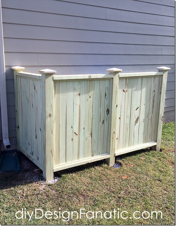 Trash & Recycle Bin screen, trash enclosure, trash screen, diyDesignFanatic.com