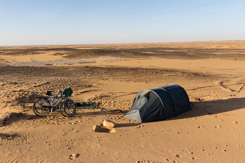 wild camping cycling sahara desert sudan