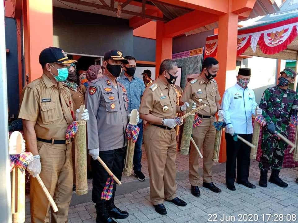 "Bupati Amran Mahmud Resmikan Pilot Project Kampung Tangguh"" Balla Ewako"" Lawan Covid 19"