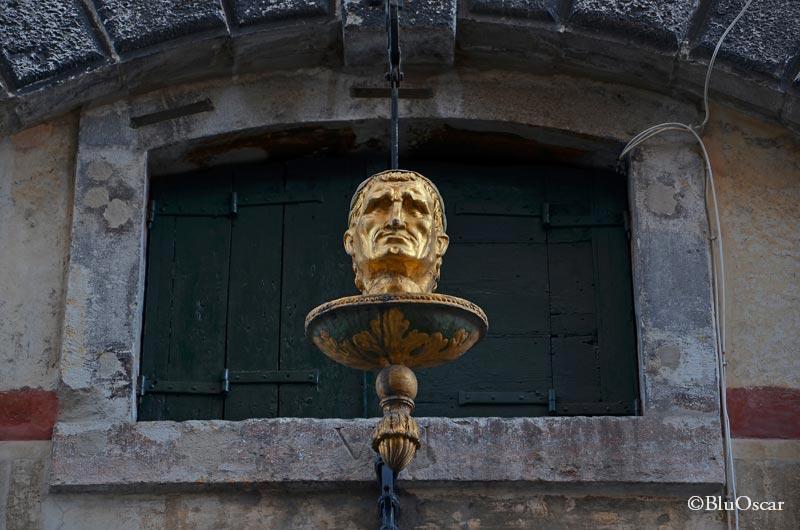 La testa d oro N 3