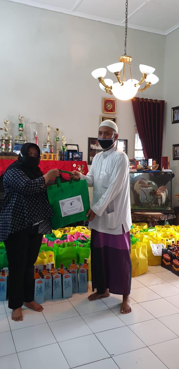 Yayasan Bangun Sehat Indonesiaku dan RMI NU Jatim Bantu Guru Ngaji
