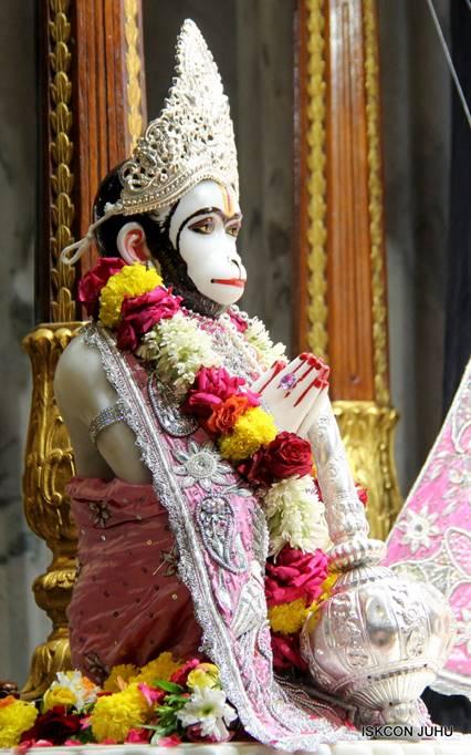 ISKCON Juhu Sringar Deity Darshan 05 Mar 2016 (11)