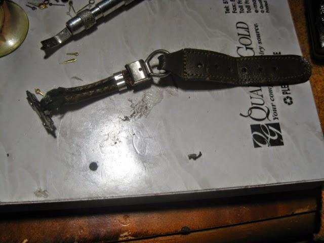 1935 LONGINES WEEMS ORIGINAL 1935 LEATHER METAL ROP STRAP - IMG_1017.JPG