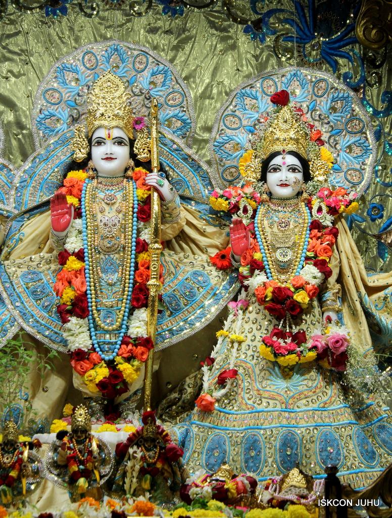 ISKCON Juhu Sringar Deity Darshan on 30th Dec 2016 (20)