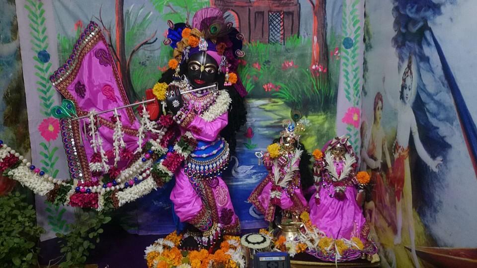 ISKCON Bhusawal Deity Darshan 13 Dec 2015 (5)