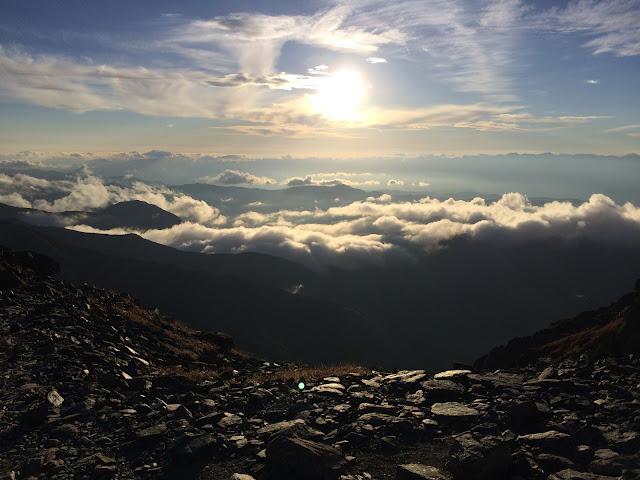 北岳稜線からの夕日