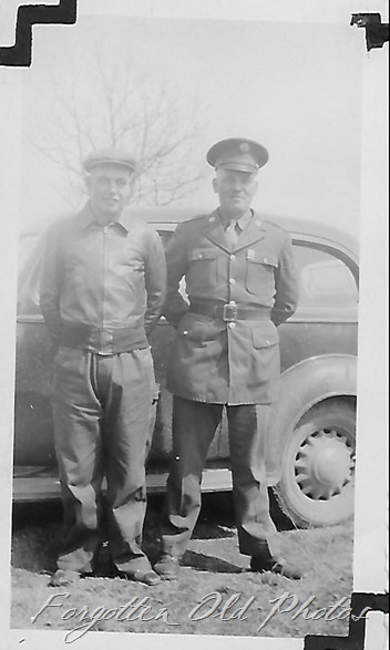 Soldier man and car Ford Peq Laks ant