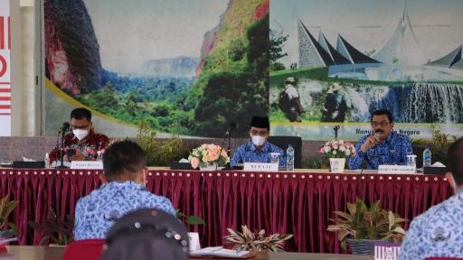 Optimalkan Penyelenggaraan Pemerintah, Bupati dan Wakil Bupati Limapuluh Kota Pimpin Rakor OPD