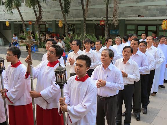 Thánh lễ ra mắt Ban thừa tác viên ngoại thường