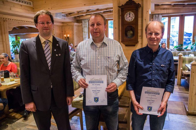 """""""70 Jahre TTC Straubing"""": Ehrung für 35-jährigen Mannschaftssport beim TTC Straubing"""