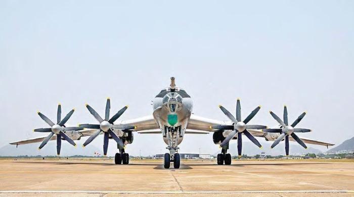 Tu-142 - Maritime Aircraft - Indian Navy - 02 - TN