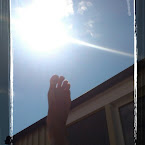 20120803-01-foot-in-the-sun.jpg