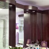 Bathrooms - 20140128_122121.jpg