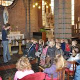 Kleuters bezoeken Martinuskerk - DSC_0021.JPG