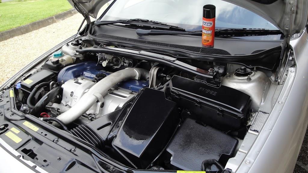 Volvo V70 R engine clean with Gunk Spray - Detailing World