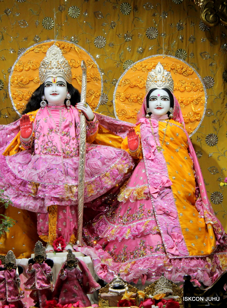 ISKCON Juhu Mangal Deity Darshan on 30th Dec 2016 (3)