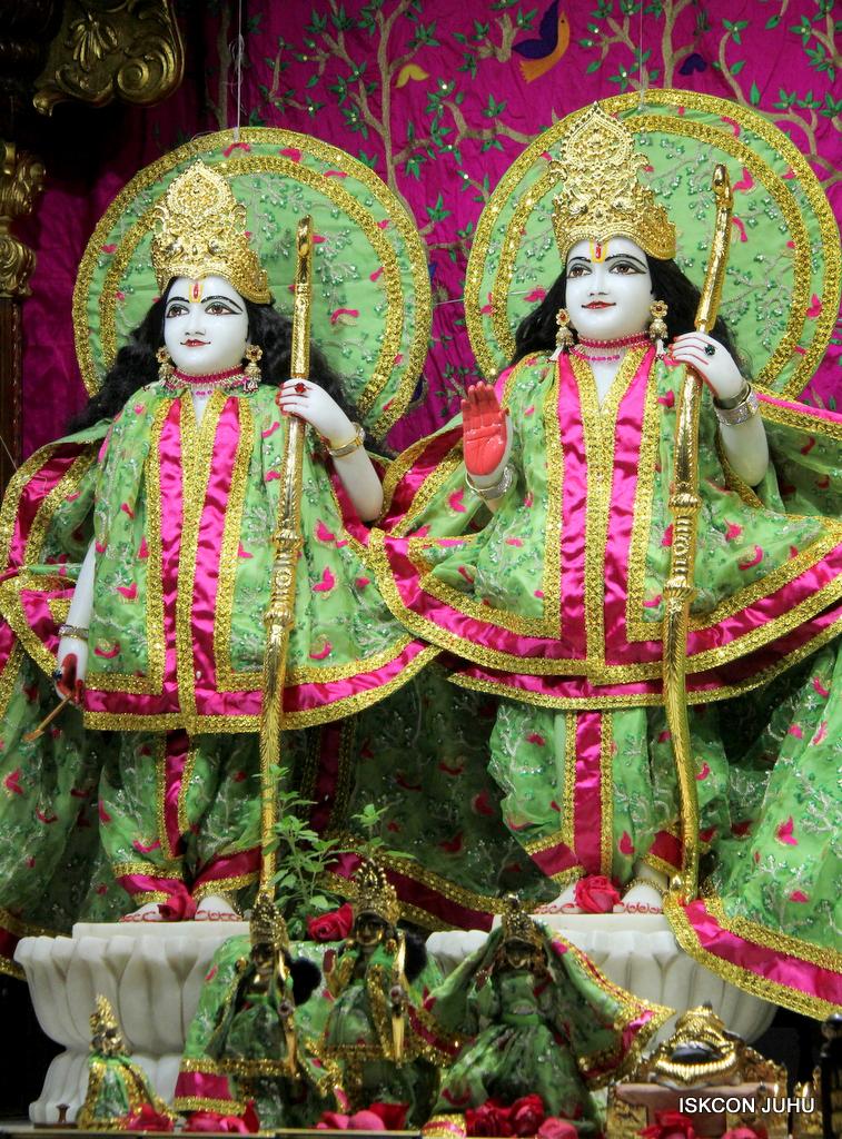 ISKCON Juhu Mangal Deity Darshan on 19th Nov 2016 (4)