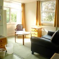 Room 40-sitting area2