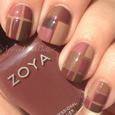 http://www.aggiesdoitbetter.com/2014/07/color-block-nails-with-zoya-naturel2.html