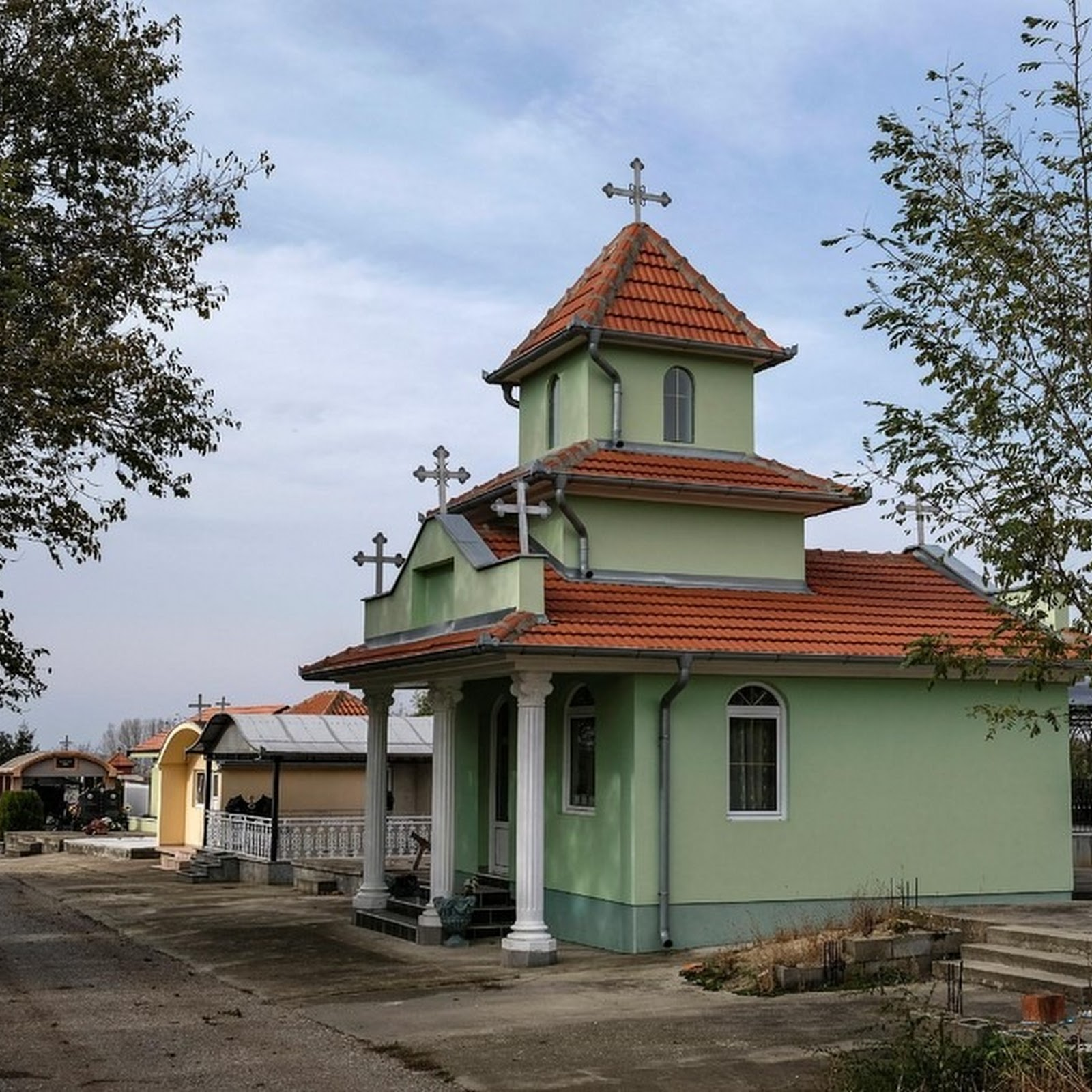 The Bungalows of Eastern Serbia's Cemeteries