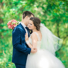 Wedding photographer Evgeniy Semenov (SemenovSV). Photo of 21.01.2017