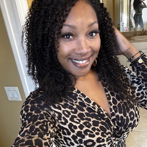 Dominica Johnson Photo 14