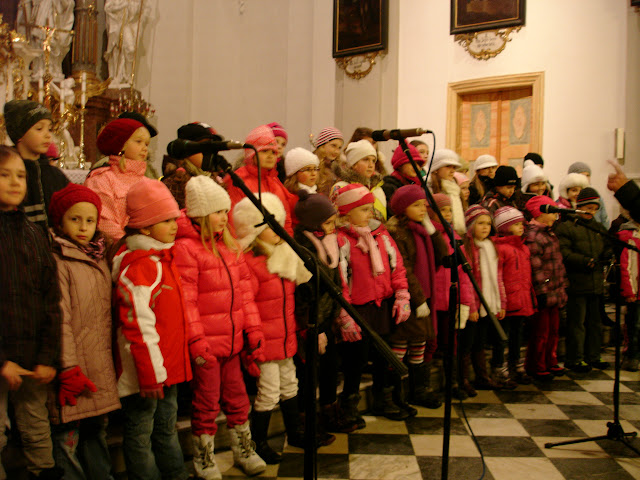 11.12.2012 Galakoncert v rámci 10. ročníku festivalu dětských pěveckých sborů - DSC06902.JPG