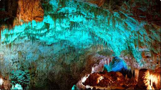 Cave Stalactites, Carlsbad Caverns National Park, New Mexico.jpg