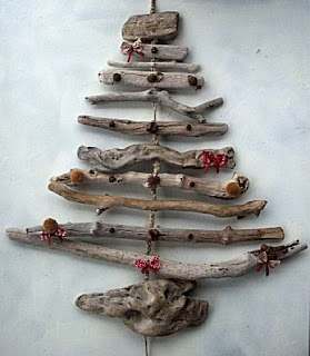 Maak een kerstboom van drijfhout