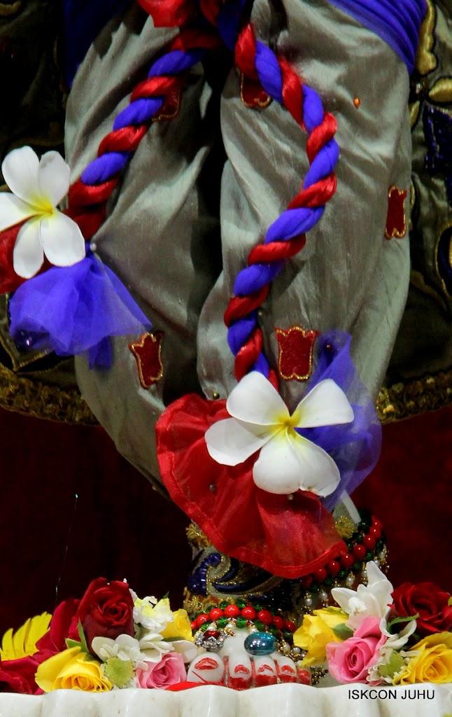 ISKCON Juhu Sringar Deity Darshan on 24th June 2016 (43)