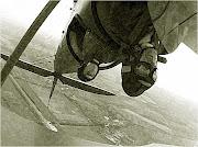2003-2004 г.г. Коротич, самолет По-2 (ХАИ). Петля Нестерова в открытой кабине приносит непередаваемые ощущения