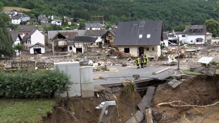 Δυτική Γερμανία : Πάνω από 30 οι νεκροί - Εκατοντάδες οι αγνοούμενοι από τις καταρρακτώδεις βροχές