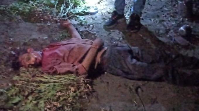 कुल्हाड़ी मारकर की गई युवक की हत्या सूचना मिलते ही मौके पर पहुंचे एडिशनल एसपी झांसी