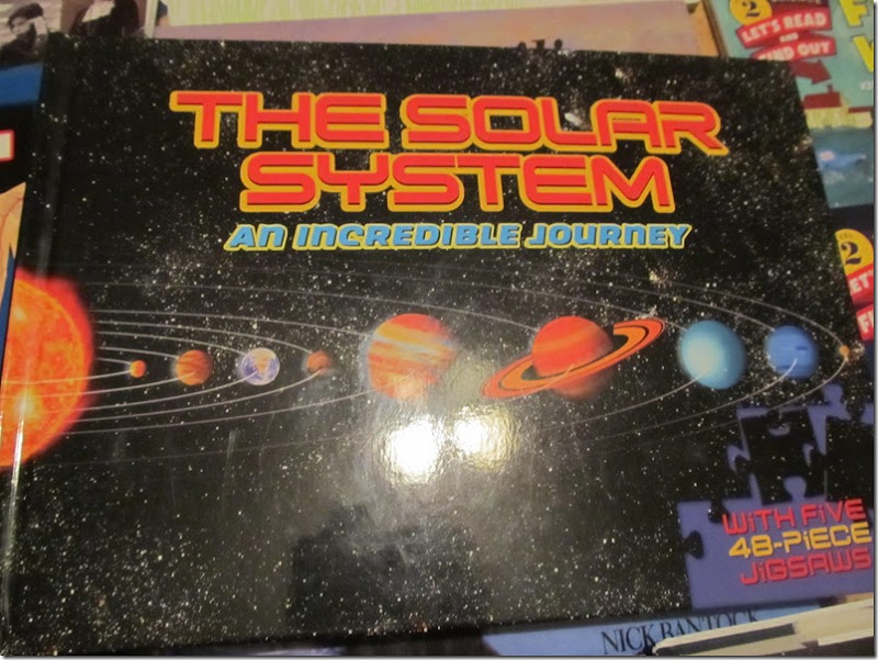 The Solar System: An incredible Journey puzzle book