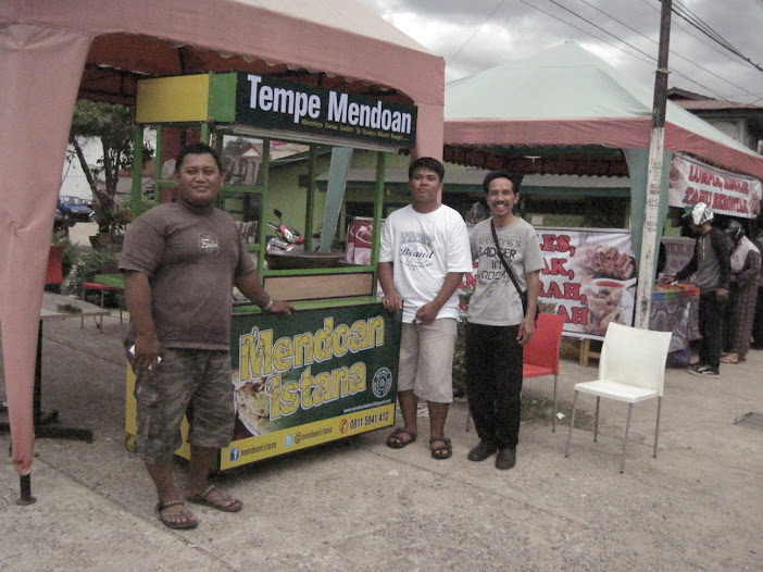 Mendoan Istana ada di Jln. M.Yamin, Samarinda