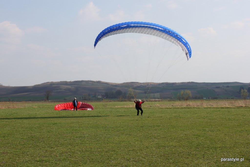 Szkolenia paralotniowe Kwiecień 2011 - IMG_5317.JPG