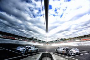 20 BERNHARD Timo (GER) Webber Marc (AUS) Hartley Brendon (GBR) Porsche 919 Hybrid Lmp1 H Team Porsche , actionduring the 2014 FIA WEC World Endurance Championship, 6 Hours of Silverstone on April 20, 2014 at Silverstone circuit. Photo : DPPI
