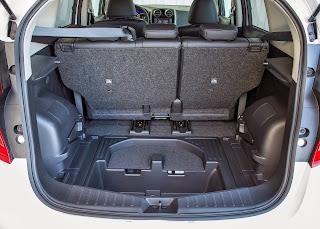 Yeni-Nissan-Note-2014-21