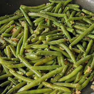 Green Beans with Bread Crumbs.