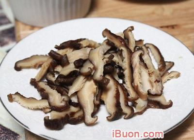 Ảnh mô phỏngHướng dẫn chế biến Súp gà nấm hương bổ dưỡng thơm ngon - Sup-ga-nam-huong-3