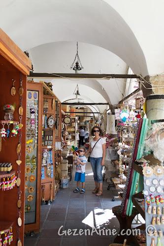 Kastamonu'da merkezdeki Münire Medresesi El Sanatları Çarşısı