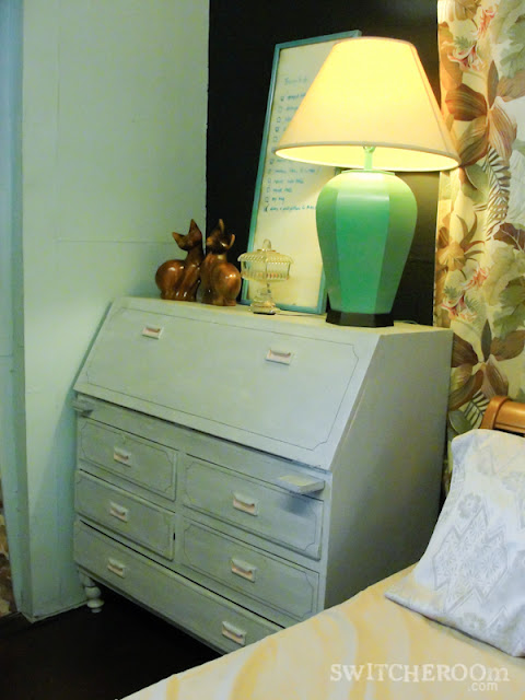 diy lamp, spray painted lamp, turquoise lamp, grey secretary desk, pink secretary desk