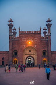 """Main Entrance of Badshahi Masjid"""