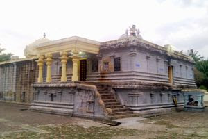 Thalaichangadu Temple Entrance To Maha Mandapam 02