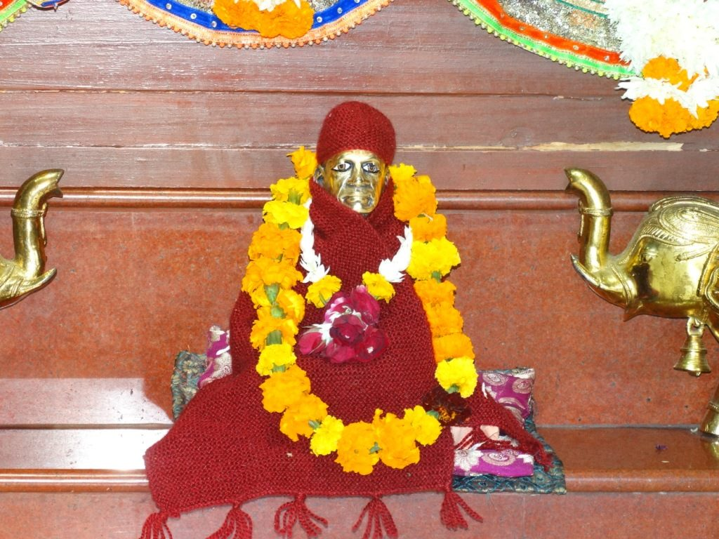 ISKCON Punjabi Bagh Deity Darshan 16 Dec 2015 (16)