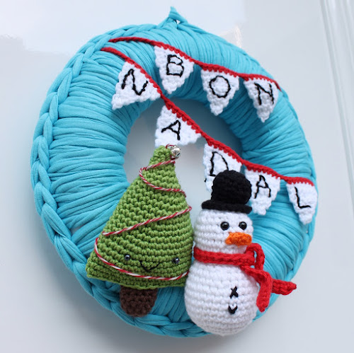 Not 2 late to craft: Corona de Nadal i Bones Festes! / Merry Christmas crochet wreath!