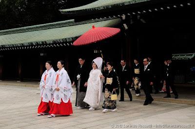 Sposalizio scintoista al Meiji-jingu;