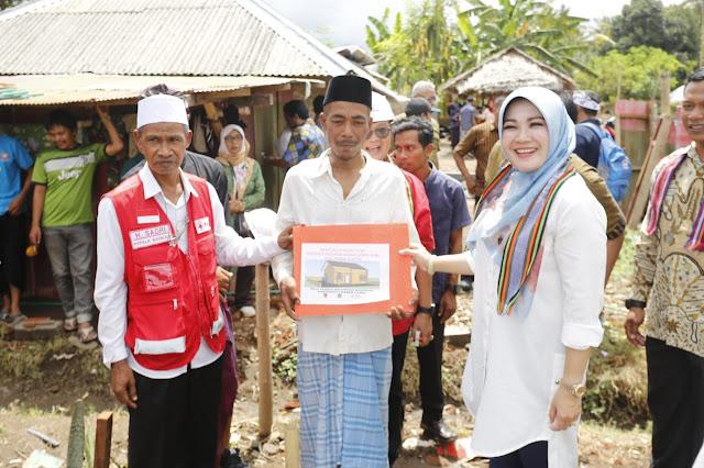 Kunjungi Lombok NTB, Bupati Klaten Serahkan Bantuan Untuk Masyarakat Korban Gempa
